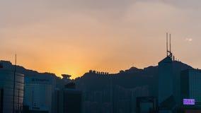 Porslin för schackningsperiod för tid för panorama 4k för tak för solnedgånghimmelHong Kong berg arkivfilmer