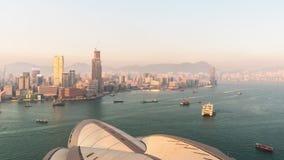 Porslin för schackningsperiod för tid för panorama 4k för tak för solnedgångHong Kong Island operahus stock video