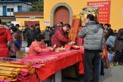 porslinfyrverkeripengzhou som säljer säljare royaltyfria bilder
