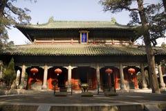 porslinmenciusshandong tempel Arkivfoton