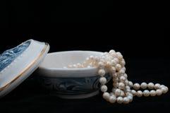 Porslinsmyckenask royaltyfria bilder