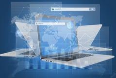 Portátil e diálogos com o menu da busca no global Foto de Stock Royalty Free