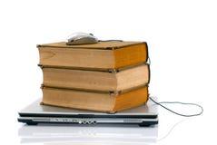 Portátil e livros Imagens de Stock Royalty Free