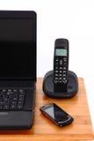 Portátil e telefones celulares Fotos de Stock Royalty Free