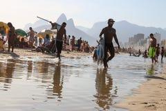 Portées thermiques 44 de sensation 5 degrés de Celsius en Rio de Janeiro Images stock