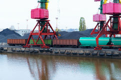 Port, ładowanie, żurawie, węgiel, furgon, ładunku terminal Zdjęcie Royalty Free