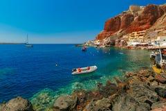 Port Amoudi d'Oia ou d'Ia, Santorini, Grèce Photographie stock libre de droits