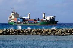 Port av Avatiu - ö av Rarotonga, kock Islands Royaltyfri Foto