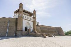 Port av den Bukhara fästningen - tillflykten, Uzbekistan royaltyfri foto