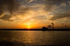 Port av den Long Beach solnedgången Arkivbilder