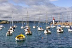 Port av Erquy i Frankrike Arkivbild