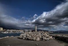 Port av Estepona i landskapet av MÃ-¡ lagaen Arkivbilder