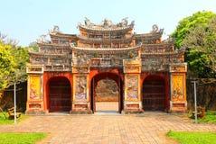 Port av Forbiddenet City på tonen, Vietnam arkivbild