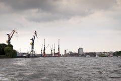 Port av Hamburg royaltyfria bilder