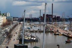 Port av Helsingfors i den historiska mitten, Finland royaltyfria bilder
