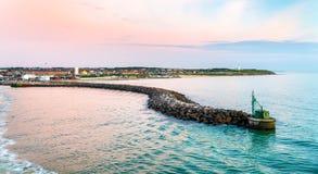 Port av Hirtshals på solnedgången - Danmark Arkivfoton