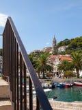 Port av Hvar i Kroatien arkivfoton