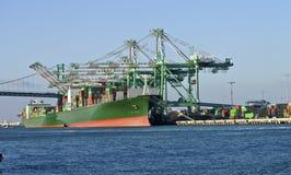 Port av Long Beach Kalifornien den industriella lättheten. arkivfoto