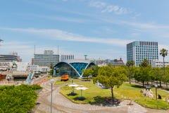 Port av Nagoya som lokaliseras i Ise Bay, är den största och mest upptagna ten Royaltyfri Bild
