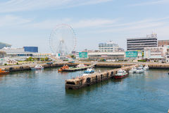 Port av Nagoya som lokaliseras i Ise Bay, är den största och mest upptagna ten Royaltyfria Foton