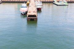 Port av Nagoya som lokaliseras i Ise Bay, är den största och mest upptagna ten Arkivbild