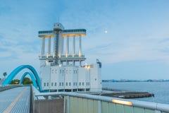 Port av Nagoya som lokaliseras i Ise Bay, är den största och mest upptagna ten Royaltyfri Fotografi