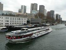 Port av Paris, Seine River, Frankrike Royaltyfria Bilder