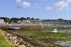 Port av Perros-Guirec i Frankrike Arkivfoto