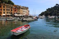 Port av Portofino i Italien royaltyfria bilder