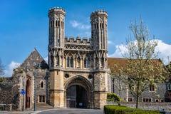 Port av Sts Augustine abbotskloster i Canterbury, England Abbotskloster var f Arkivfoto