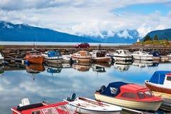 Port avec des bateaux Photos stock