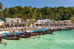 Port d'île de Phi Phi Photos stock