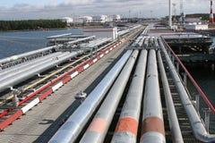 Port d'arrivée ou de départ pour le pétrole de transport image stock