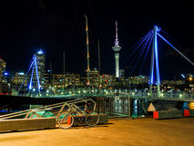 Port d'Auckland la nuit photo stock