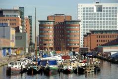 Port dans la ville Photo stock
