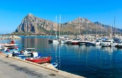 Port de capo de lo de San Vito, Sicile, Italie photographie stock