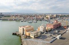 Port de Catane avec la marina et le terminal pour passagers Photographie stock libre de droits