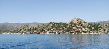 Port de château de Kalekoy et de Simena près d'île de Kekova en Turquie Photographie stock libre de droits