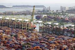 Port de chantier naval de récipient de Singapour Photos libres de droits