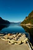 Port de ferry dans le fjord norvégien Images libres de droits