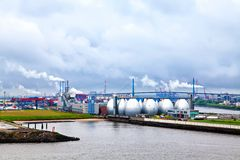 Port de Hambourg, vue de rivière Elbe Photos libres de droits