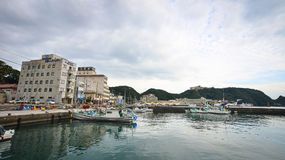 Port de Katsuura et village de pêche au Japon Images stock