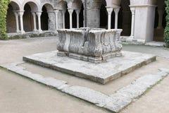 PORT DE LA SELVA (ESPAÃ ` A) -修道院SANT PERE DE RODES 库存照片