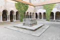 PORT DE LA SELVA (ESPAÃ-` A) - KLOSTER SANT PERE DE RODES Royaltyfri Foto