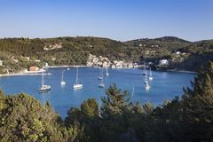 Port de Lakka, Paxos, Grèce image stock