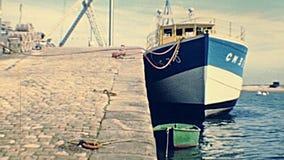 Port de Mer de sur de Camaret banque de vidéos