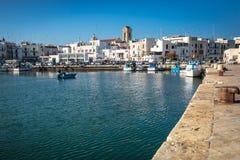 Port de pêche en Mola di Bari Images stock