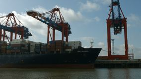 Port de récipient de Hambourg - tir de bateau clips vidéos
