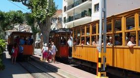 Port de Soller, Μαγιόρκα, Ισπανία Το παλαιό ηλεκτρικό τραμ που τρέχει μεταξύ Soller και του στο κέντρο της πόλης Port de Soller φιλμ μικρού μήκους