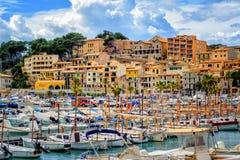 Port de Soller Città Vecchia storico, Mallorca, Spagna immagini stock libere da diritti